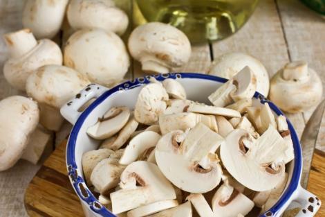 Le consumi aproape zilnic, dar ascund secrete uriaşe! Cinci lucruri neştiute despre ciuperci