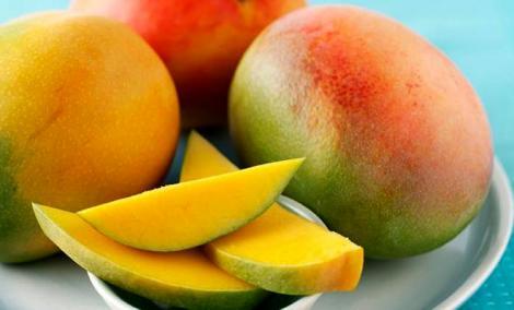 Mango, fructul care face minuni pentru organism! Ştiai că ajută memoria şi previne îmbătrânirea pielii?