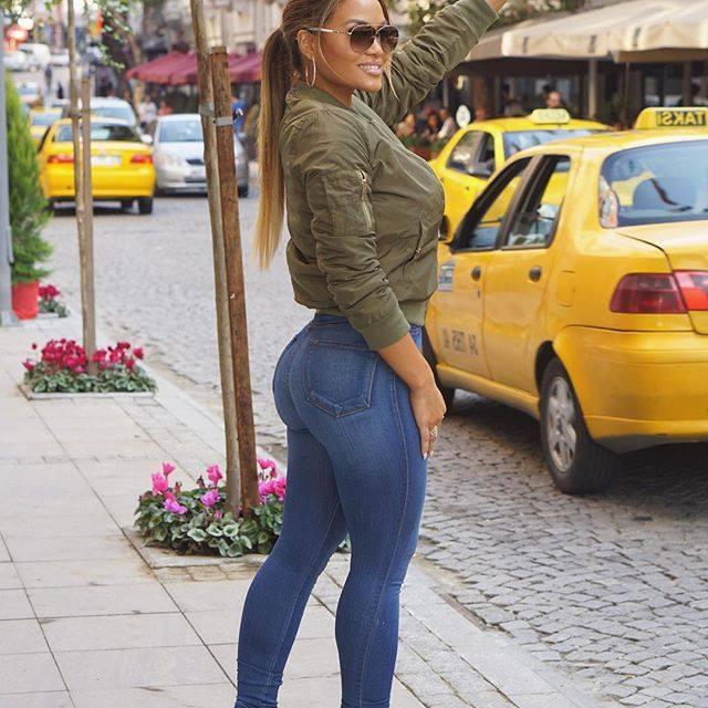 Galerie foto de vis. Daphne, femeia la care 50 Cent a renunțat prea ușor!