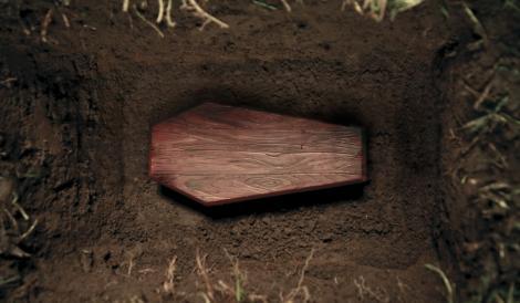 Caz inedit în România. O fetiță declarată moartă nu a fost găsită în sicriu!