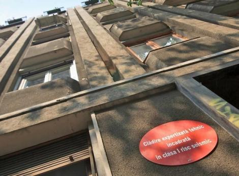 Localurile şi magazinele din centrul Capitalei, un PERICOL! Lista clădirilor care riscă închiderea