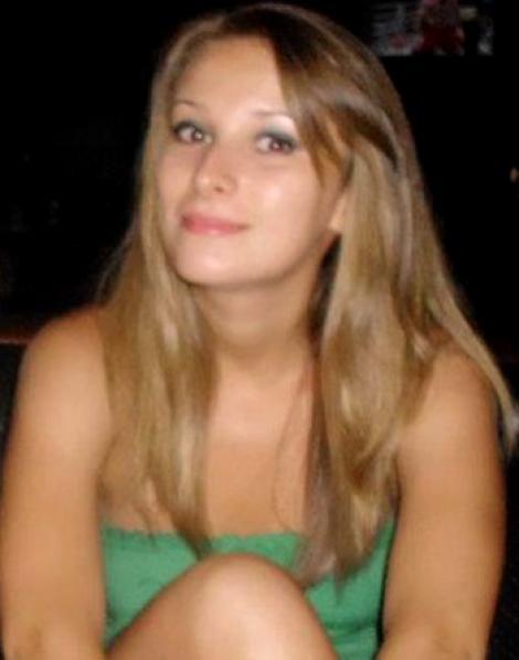 Sfârșit tragic pentru Karina! A MURIT în BAIA clubului, intoxicată cu fum