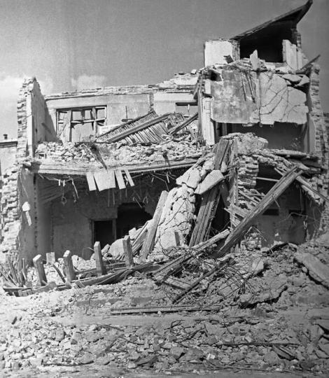 """10 noiembrie 1940. Un cutremur de 7,4 grade zguduia România: ''Toate ceasurile s-au oprit. Au căzut turnuri de la sfintele biserici, iar din subsol iese fum"""""""
