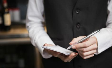 O chelneriță a avut parte de un șoc atunci când a văzut ce a primit, în loc de bacșiș! Este de neimaginat!