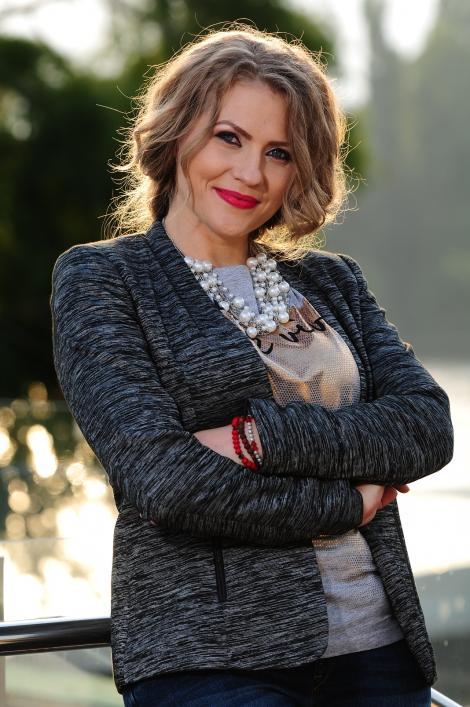 """Emisiunea """"Mireasă pentru fiul meu"""" va fi difuzată inclusiv duminica! Daniela Crudu şi Cezar Ouatu, alături de concurenţi"""