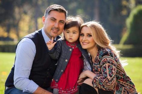 Alina Sorescu este însărcinată din nou! Anunţul a fost făcut de artistă pe Facebook