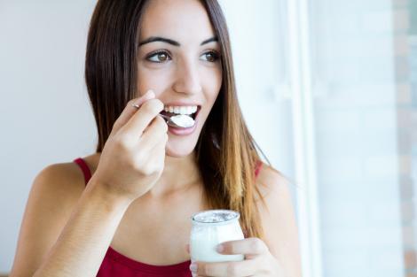 Combinaţia de iaurt cu vanilie are efecte neaşteptate asupra organismului! Rezultatul se vede imediat