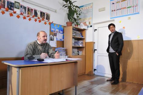"""Victor Pițurcă, """"urecheat"""" la ședința cu părinții: """"La învățătură, fiul dvs. este al zecelea! Vestea proastă e că sunt zece băieți în clasă!"""""""