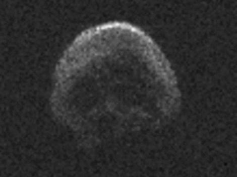 Imaginile APOCALIPSEI. Un obiect în formă de cap de mort a trecut foarte aproape de Pământ