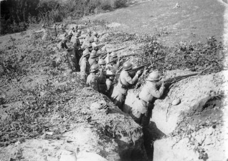 Mărășesti, Primul Război Mondial. Căpitanul Grigore Ignat aruncă ideea: Soldații morți, repuși în poziție de tragere, pentru intimidarea inamicului
