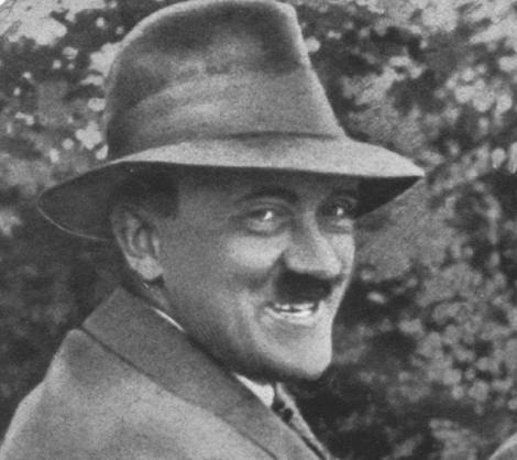 Hitler a interzis publicarea acestor fotografii cu el! Pozele au devenit virale pe internet!