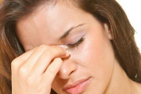 Ai nasul înfundat în timpul iernii, din cauza aerului uscat din casă? Iată ce trebuie să faci ca să reglezi umiditatea