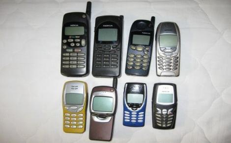 Galerie FOTO. Amintiri din anii 90. Așa arătau telefoanele mobile ale românilor în primul deceniu de libertate!