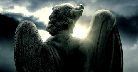 Află numele îngerului tău păzitor, în funcție de ziua în care te-ai născut! Uite ce îți poartă noroc!