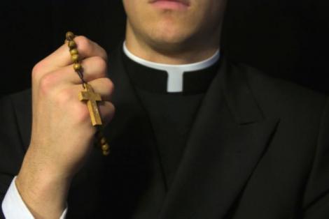 Lumea creştinismului, zguduită din temelii după afirmaţia asta: Dumnezeu este FEMEIE! De ce spune asta un PREOT