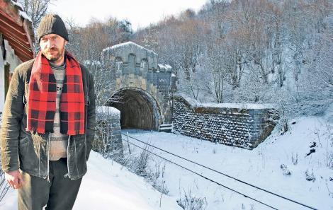 """Acesta este tunelul BÂNTUIT din România! """"Locul este blestemat, mereu se întâmplă ceva bizar aici""""!"""