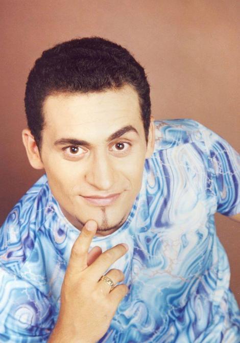 Îţi mai aduci aminte de cântăreţul Cătălin Arabu'? După ce a dispărut din showbiz, s-a schimbat radical! Cum arată acum fostul iubit al Minodorei