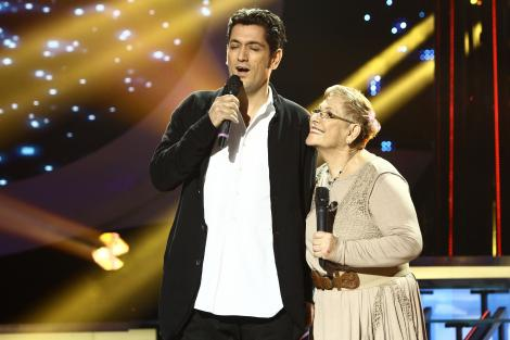 Moment emoționant! Cezar Ouatu și mama lui le fac să plângă pe Alina Pușcaș și Ozana Barabancea