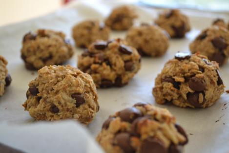 Super prăjituri cu doar DOUĂ ingrediente! Sunt gata în 15 minute, dar vei fi înnebunit după ele!