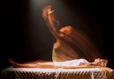 Cele ȘAPTE LUCRURI care se petrec cu CORPUL UMAN după moarte
