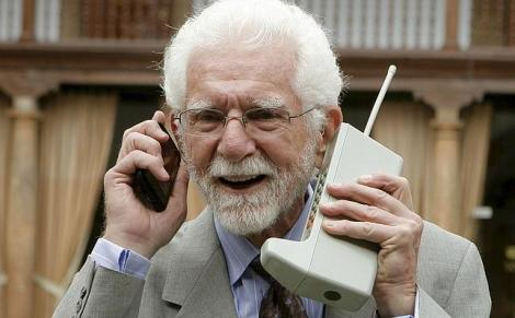 Prima convorbire la telefonul mobil! Povestea impresionantă a momentului care a schimbat lumea