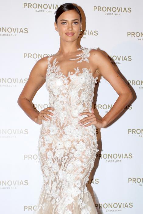 FOTO: Cristiano Ronaldo va înnebuni când va vedea imaginile astea! Irina Șaik, în rochie de mireasă