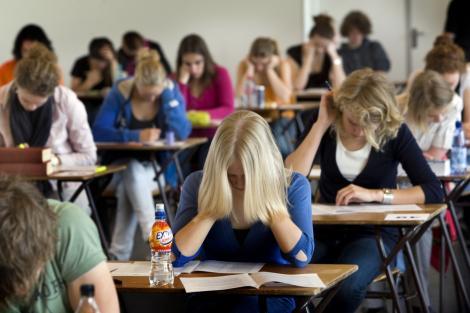 Schimbare RADICALĂ în ÎNVĂTĂMÂNT! Ce se va întâmpla cu elevii care vor susţine examenul de bacalaureat în acest an! Anunţ de ULTIMĂ ORĂ