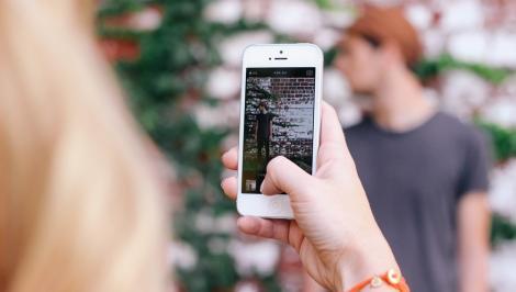 Aplicațiile care îți transformă pozele făcute cu telefonul în opere de artă