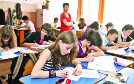 Schimbări RADICALE în învăţământul din România! Ce se întâmplă cu examenele şi cum sunt afectaţi elevii