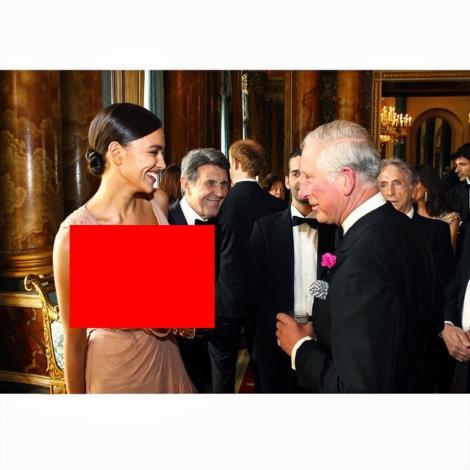 FOTO: Irina Şaik, decolteu năucitor la întâlnirea cu Prinţul Charles! Cum a mers fosta iubită a lui Ronaldo la Buckingham