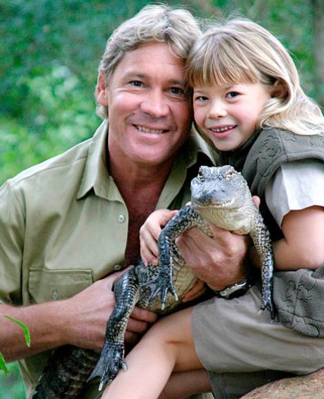 """""""Vânătorul de crocodili"""" ar fi fost cel mai mândru tată! Bindi, fiica lui Steve Irwin, s-a transformat într-o femeie superbă"""