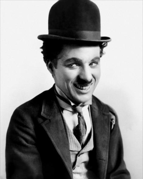 Alfred Hitchcock şi Charlie Chaplin ar putea apărea pe viitoarele bancnote de 20 de lire sterline