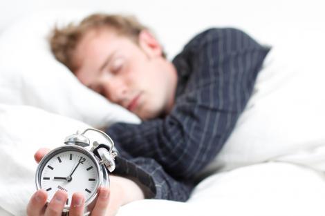 Cât e bine să dormi, în funcţie de vârstă! O oră de somn în plus te ajută să slăbeşti?