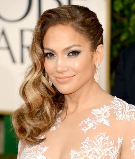 FOTO: Jennifer Lopez, irezistibilă la 46 de ani! A renunțat la lenjerie intimă pentru a străluci într-o rochie super HOT