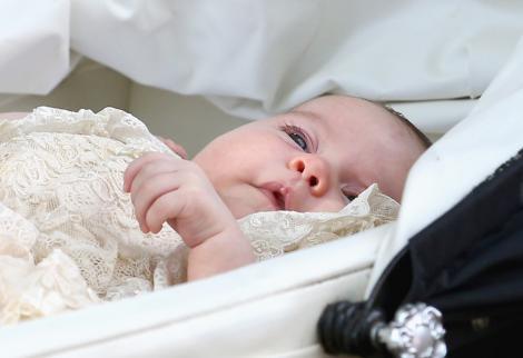 Eveniment urmărit de milioane de oameni! Prințesa Charlotte, apariție superbă la botez!