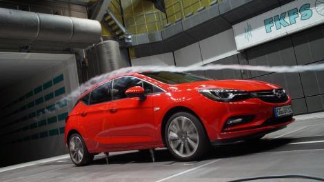 Cx: 0,285 - Bate vântul, noul Opel Astra nu rezistă