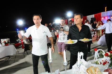 """""""Poftiți de vă iubiți""""! Meniul a fost unul special! Preparatele lui Chef Sorin Bontea, vedetele petrecerii"""