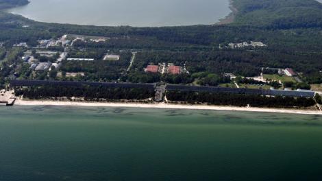 PRORA, LOCUL BÂNTUIT. 20.000 de paturi pentru cazare. PATRU kilometri de plajă. NIMENI nu a stat, NICIODATĂ, aici!