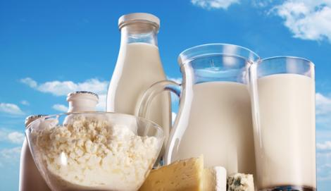 """Consumi lapte fără grăsimi și iaurt dietetic? Spune """"stop""""! Este îngrozitor ce se întâmplă în corpul tău!"""