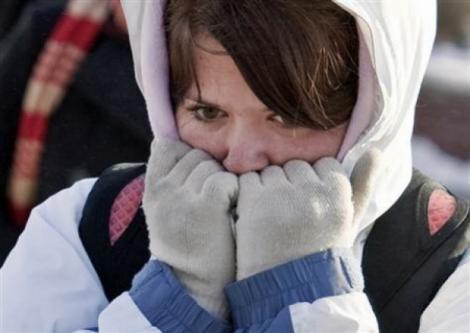 Bucureştenii îngheaţă de frig în apartamente! Ce spun oficialii RADET despre lipsa de căldură