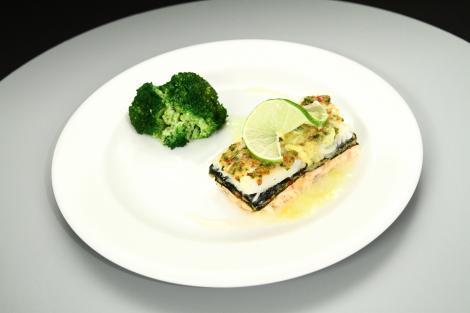 Somon cu piure de țelină și broccoli