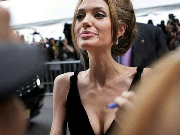 Nu s-a mai putut ascunde. Angelina Jolie, prima fotografie după divorţ. Nimeni nu se aştepta să o vadă aşa
