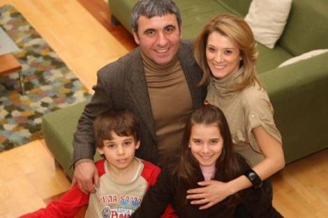 FOTO! Băiatul e fotbalist, dar fiica lui Gică Hagi uimește pe toată lumea! La cei 21 de ani, este actriță, studiază în SUA și îi seamănă leit Regelui