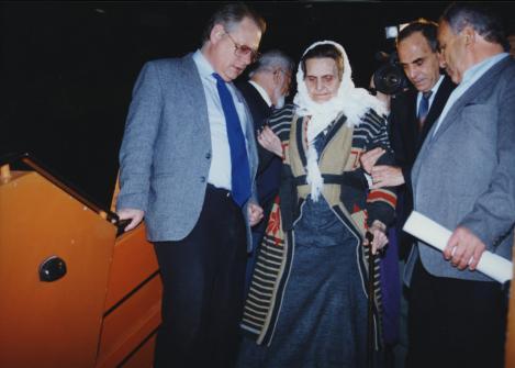 O familie de musulmani bosniaci care a ascuns una evreiască în Holocaust a fost salvată de aceasta din genocidul din Bosnia, peste 51 de ani!!!