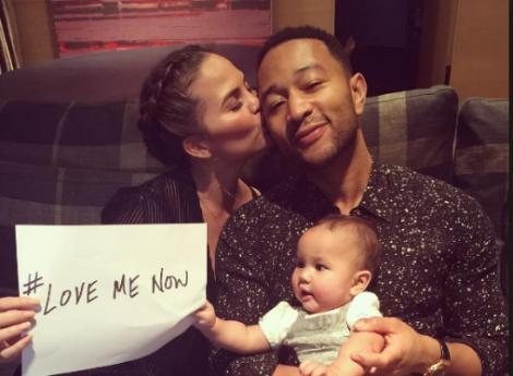 """Piesa momentului are videoclip pe măsură. John Legend a lansat """"Love me now"""""""