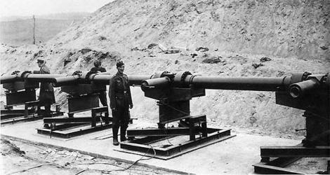 Arma secretă a lui Hitler, care urma să distrugă Londra, de la 160 km distanţă. 25 de proiectile lansate pe minut, cu o viteză de 5400 km/h