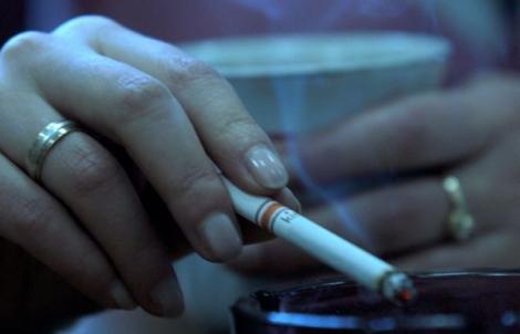 Fumatul în încăperile publice ar putea fi permis! Vestea așteptată de toți fumătorii!