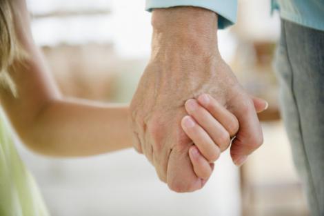 O fetiță de patru ani s-a îndrăgostit de un bătrân de 82! Și atunci, ceva incredibil s-a întâmplat!