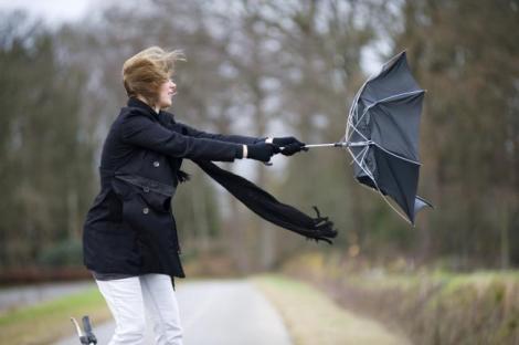Vremea rea nu ne va ocoli deloc! Cod galben de vânt puternic în șase județe, în următoarele ore