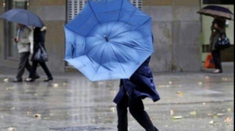 Cod galben de ploi abundente în 13 județe. Vremea rea nu ne va ocoli deloc! Ți-ai pregătit umbrela?